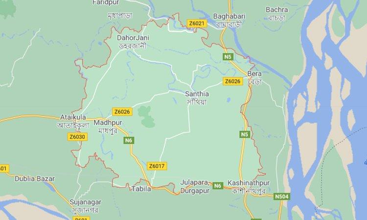 আক্কেলপুরে সরকারি রাস্তা বন্ধ করে বাড়ি নির্মাণের অভিযোগ