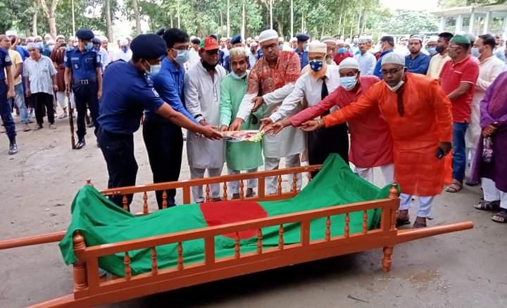 জামালপুরের রাষ্ট্রীয় মর্যাদায় দাফন বীর মুক্তিযোদ্ধা এড. এবিএম ফজলুল বারী তাঁরা