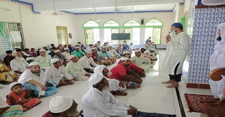 নরসিংদীতে করোনা মোকাবেলায় মসজিদভিত্তিক সচেতনতামূলক প্রচারে পুলিশ